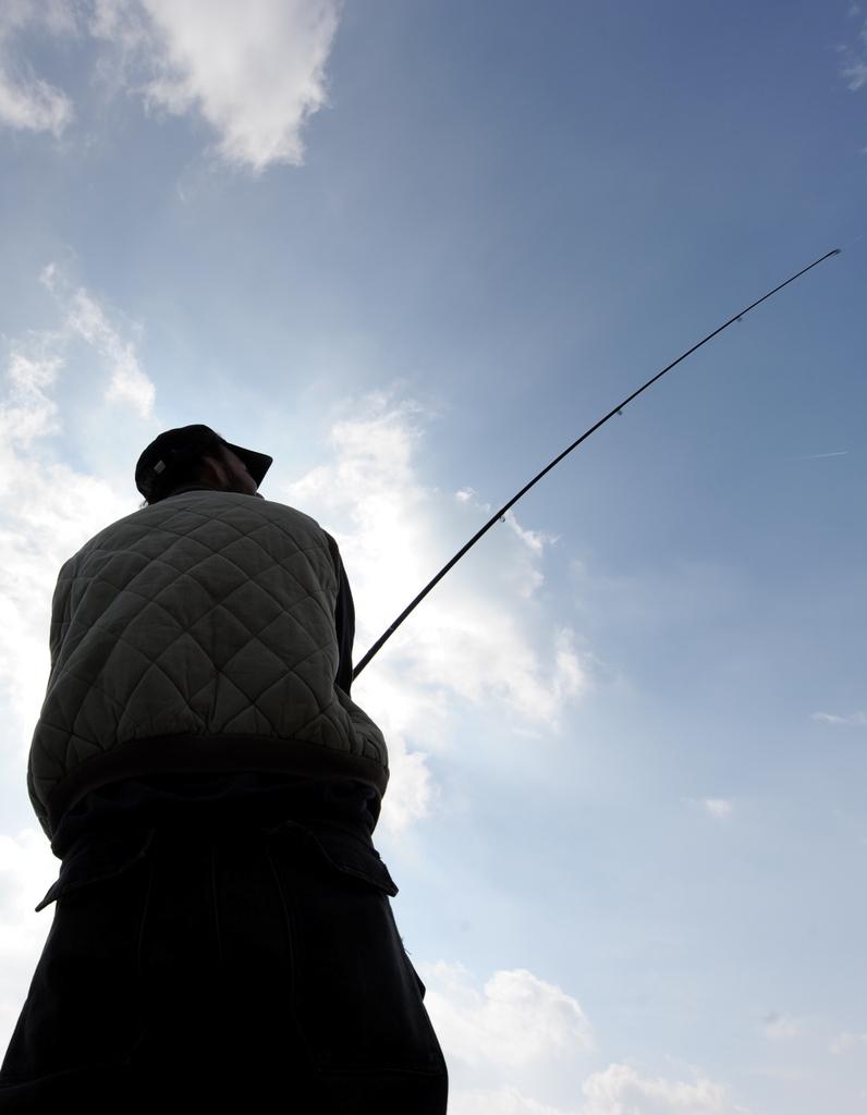 Angler an der Ostsee, Kiel (AP Photo/dpa,Carsten Rehder)