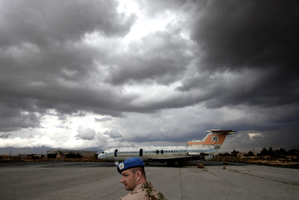 Zerstörtes Flugzeug in Nicosia, Zypern (Keystone/AP Photo/Petros Karadjias)