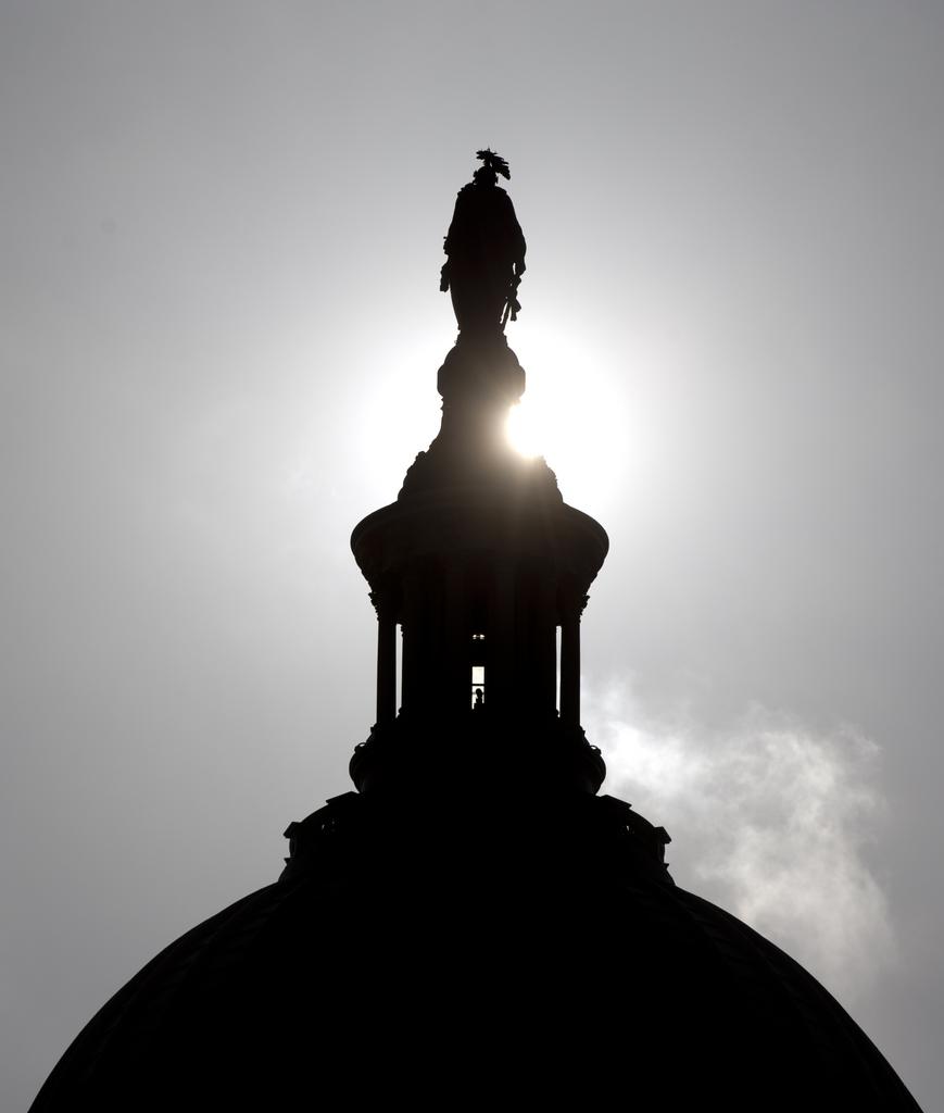 Sonnenaufgang über dem Kapitol in Washington DC, USA (Keystone/AP Photo/Carolyn Kaster)