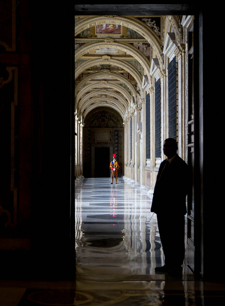 Die Schweizer Garde im Vatikan (Keystone/AP Photo/Alessandra Tarantino)
