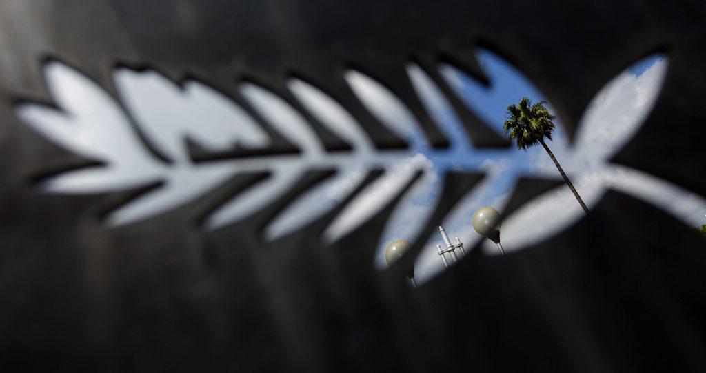 Durchblick in Cannes vor dem Filmfestival EPA/IAN LANGSDON