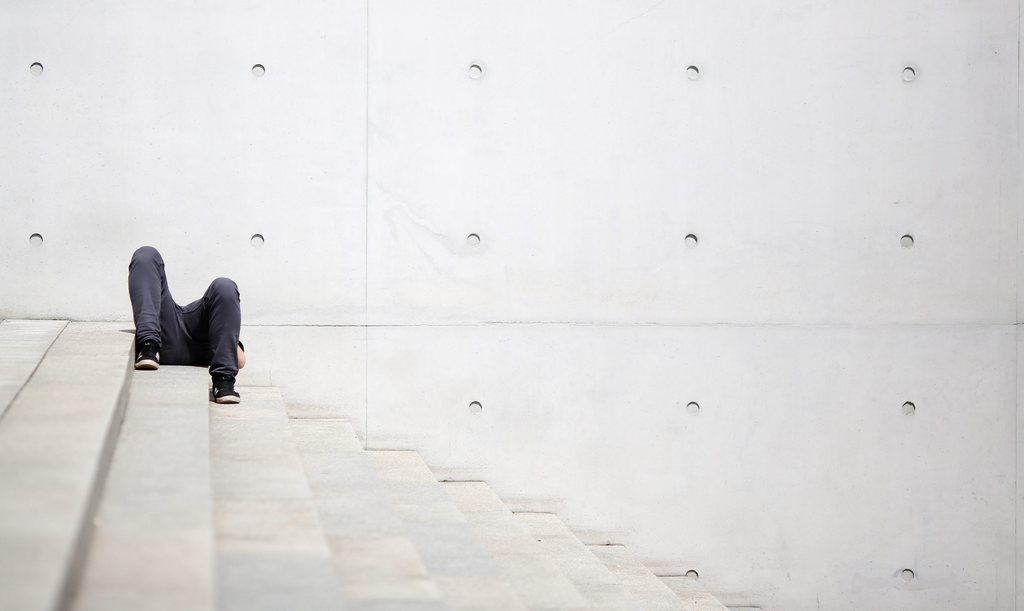 Entspannen vor dem Paul-Loebe-Haus in Berlin, Deutschland (Keystone/EPA/Kay Nietfeld)
