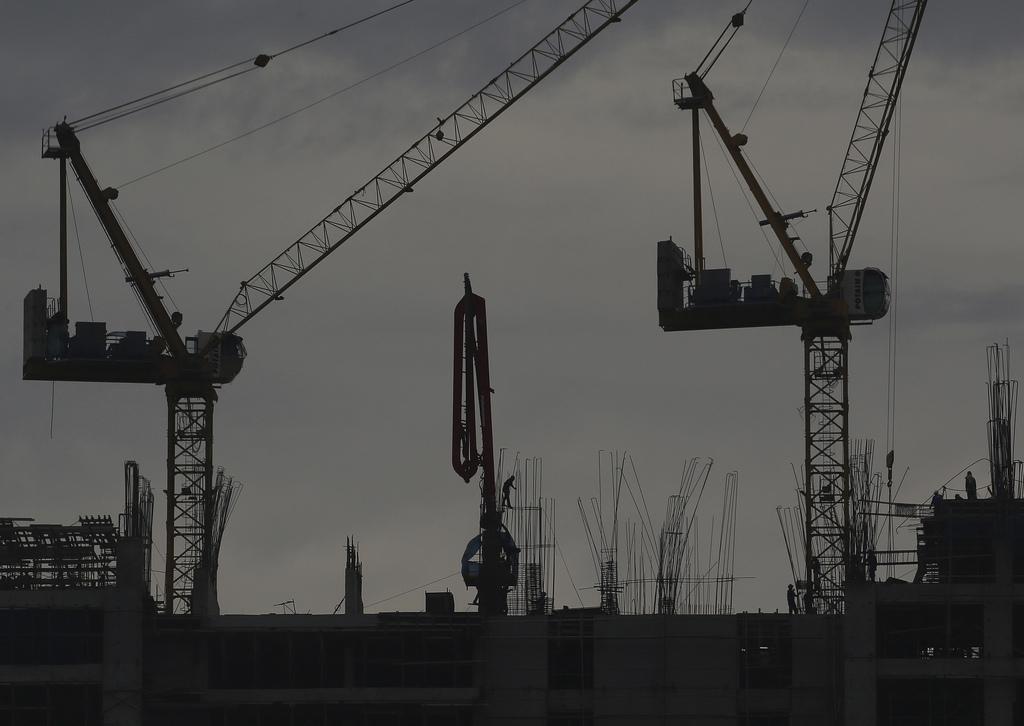 Baustelle in Manila, Philippinen  (AP Photo/Aaron Favila)
