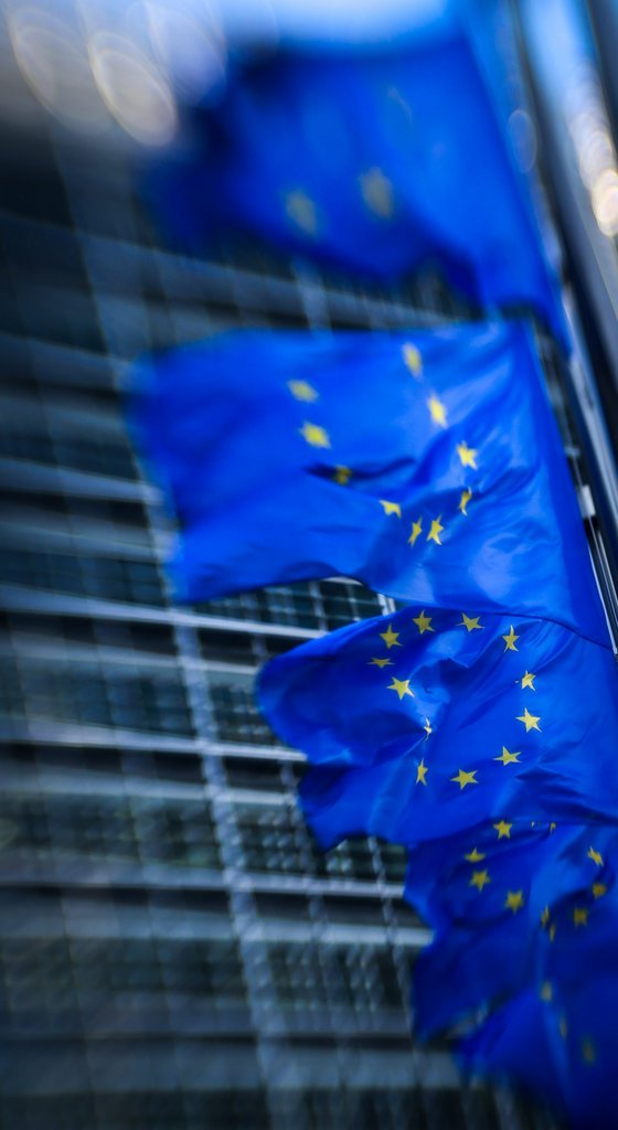Europäische Flaggen flattern im Wind, Tilt-Shift-Aufnahme, Brüssel EPA/OLIVIER HOSLET