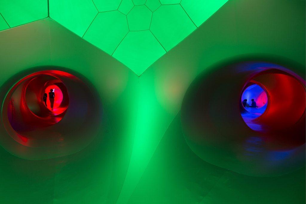 Das aufblasbare Kunstwerk «Luminarium» in Genf, Schweiz (Keystone/Salvatore Di Nolfi)