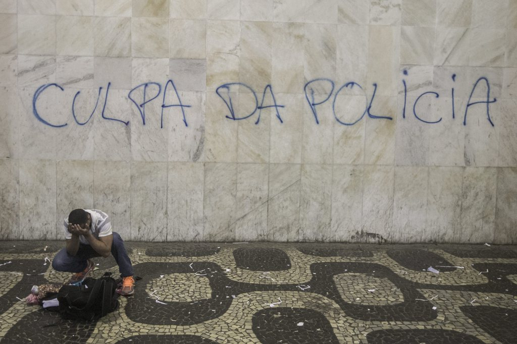 Proteste in Rio de Janeiro, Brasilien (Keystone/EPA/Oliver Weiken)