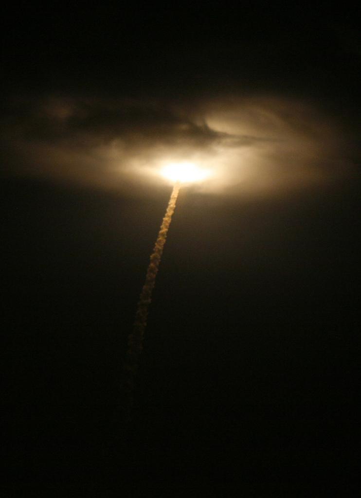 Start der Rakete mit Indiens erstem Navigationssatelliten (AP Photo/Arun Sankar K)