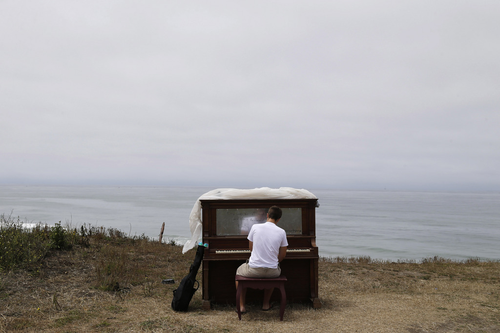 Piano an der Half Moon Bay, Kalifornien USA - Teil eines Kunstprojekts (AP Photo/Marcio Jose Sanchez)