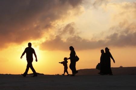 Palästinenser auf dem Weg zum Gebet in Ramallah, West Bank (Keystone/AP Photo/Majdi Mohammed)