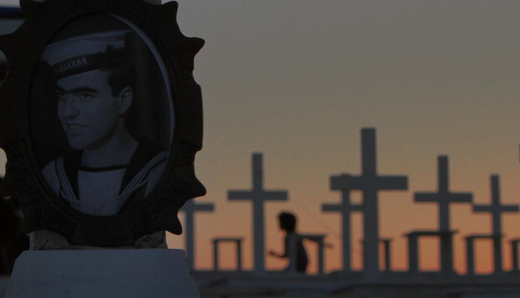 Auf dem Soldatenfriedhof in Nicosia, Zypern (Keystone/AP Photo/Petros Karadjias)