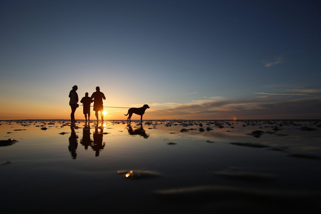 Sonnenuntergang an der Nordsee bei Dagebüll D EPA/Christian Charisius