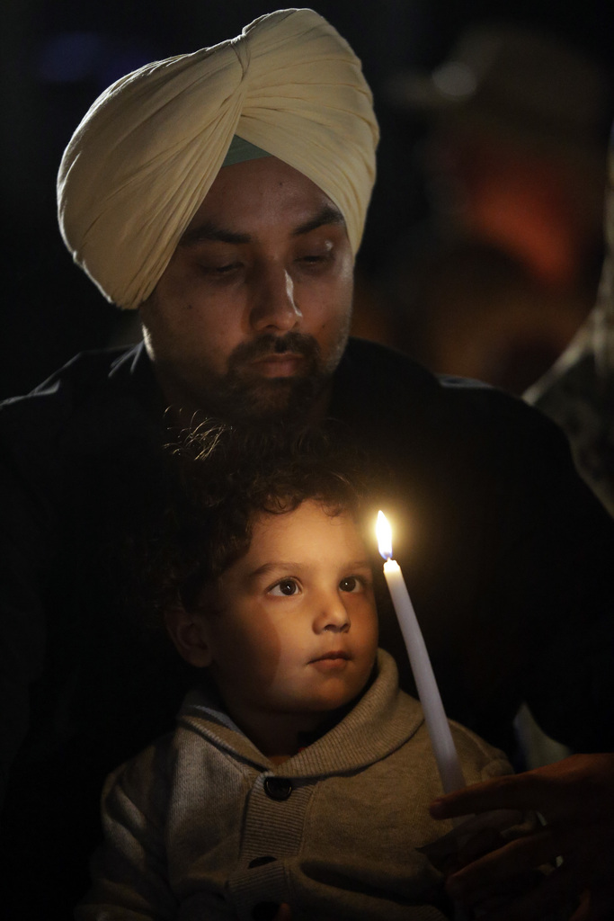 Sikhs in ihrem Tempel in Oak Creek, Wisc. USA (AP Photo/Morry Gash)
