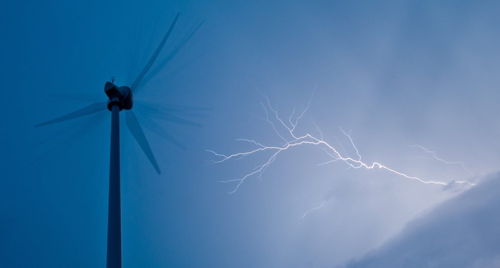 Gewitter nahe Sieversdorf D EPA/PATRICK PLEUL