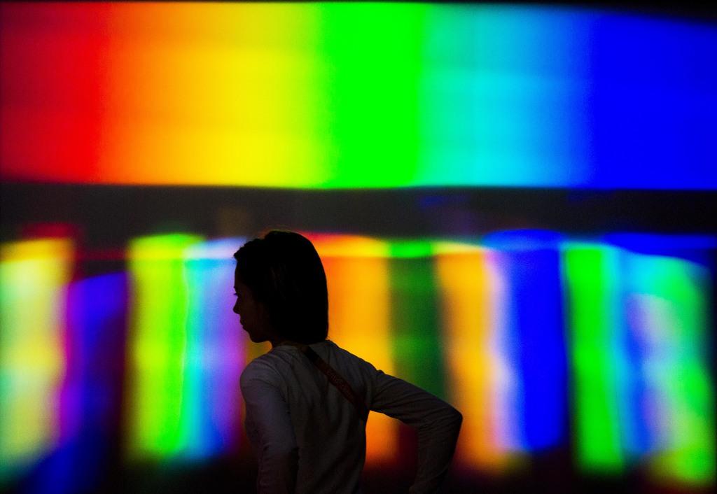 Lichtspektrum im neuen Wissenschaftszentrum des Deutschen Technikmuseums Berlin (AP Photo/Gero Breloer)