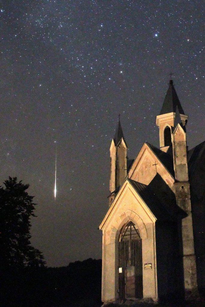 Sternschnuppe und Kirche, Bogushevichi (100km von Minsk), Weißrussland EPA/TATYANA ZENKOVICH