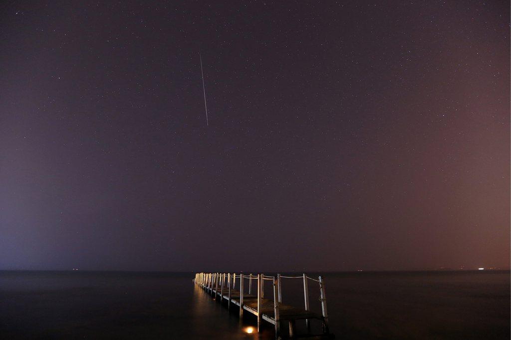 Sternschnuppe über dem Meer rund 50km südöstlich von Athen Griechenland EPA/ALKIS KONSTANTINIDIS