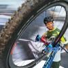 Posieren für ein neues Fahrrad in Friedrichshafen, Deutschland (Keystone/EPA/Felix Kaestle)