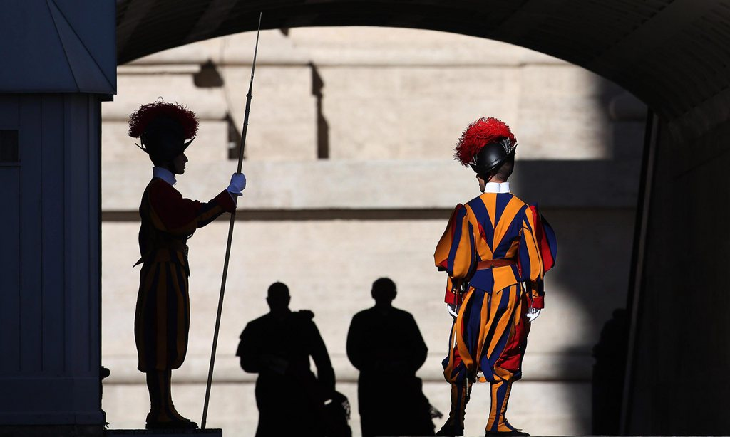 Schweizer Garde im Vatikan (Keystone/EPA/Alessandro Di Meo)