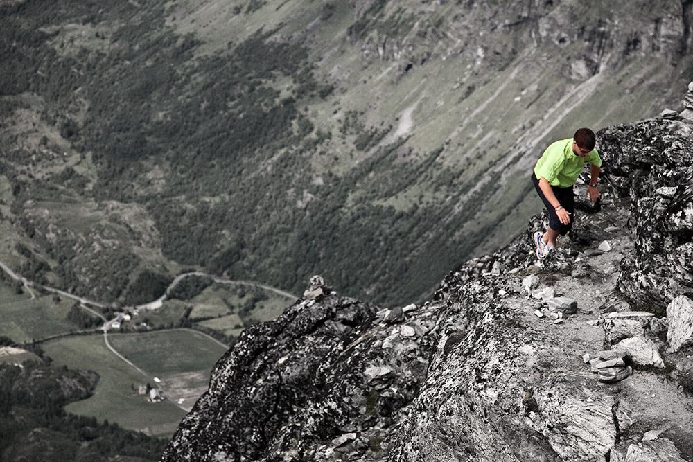 Vergleichsbild 'Mutprobe am Geirangerfjord'