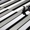 Lichtkunst von Ryoji Ikeda in Duisburg, Deutschland (Keystone/AP Photo/Frank Augstein)