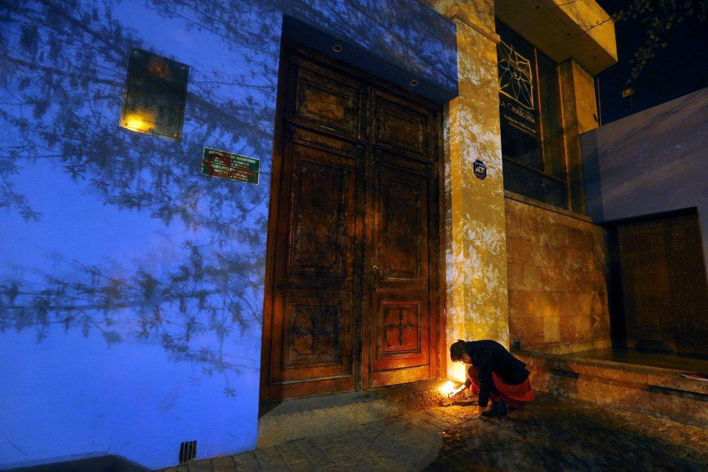 Kerze zum Todestag des chilenischen Dichters Pablo Neruda, Santiago de Chile EPA/FELIPE TRUEBA