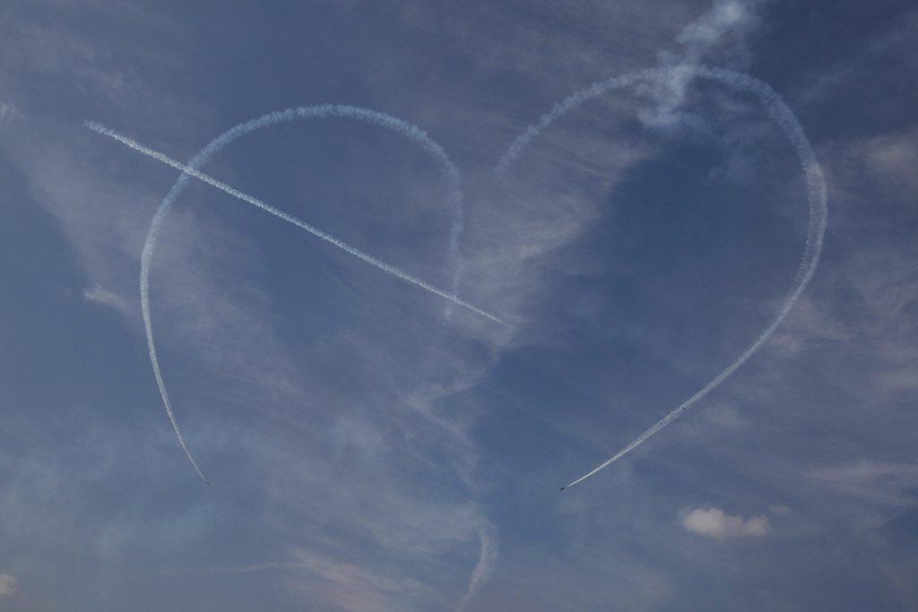 Himmelszeichen: Kondensstreifen bei der Flugschau der südkoreanischen Armee EPA/JEON HEON-KYUN