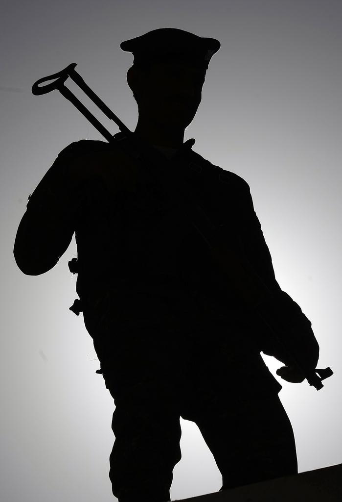 Bewaffneter Polizist in Sanaa, Yemen (Keystone/AP Photo/Hani Mohammed)