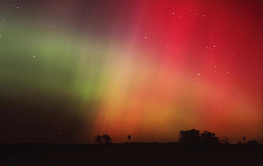 Nordlichter über Havre, USA (Keystone/AP Photo/Lindsy Brown)