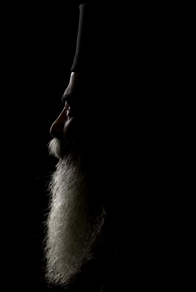 Porträt: Der griechisch-orthodoxe Patriarch von Jerusalem, Theophilos III  (AP Photo/Bernat Armangue)