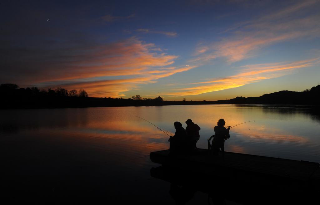 Fischen im Briar Creek Lake bei Berwick, USA (Keystone/AP Photo/Jimmy May)