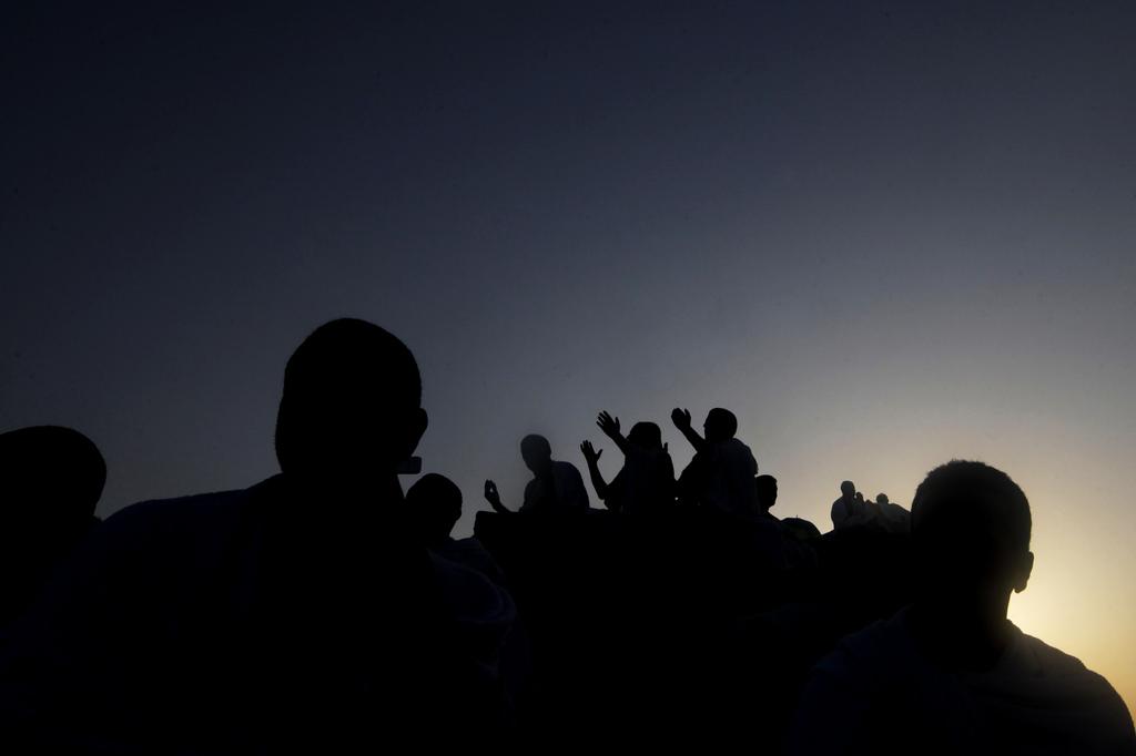 Mekka-Pilger bei religiöser Zeremonie  (AP Photo/Amr Nabil)