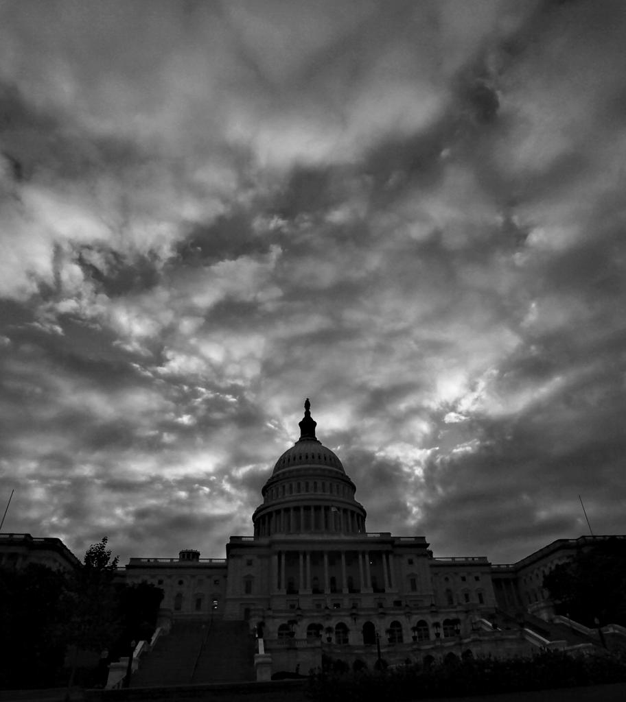 Das Kapitol in Washington am Montagmprgen, USA (AP Photo/J. Scott Applewhite)
