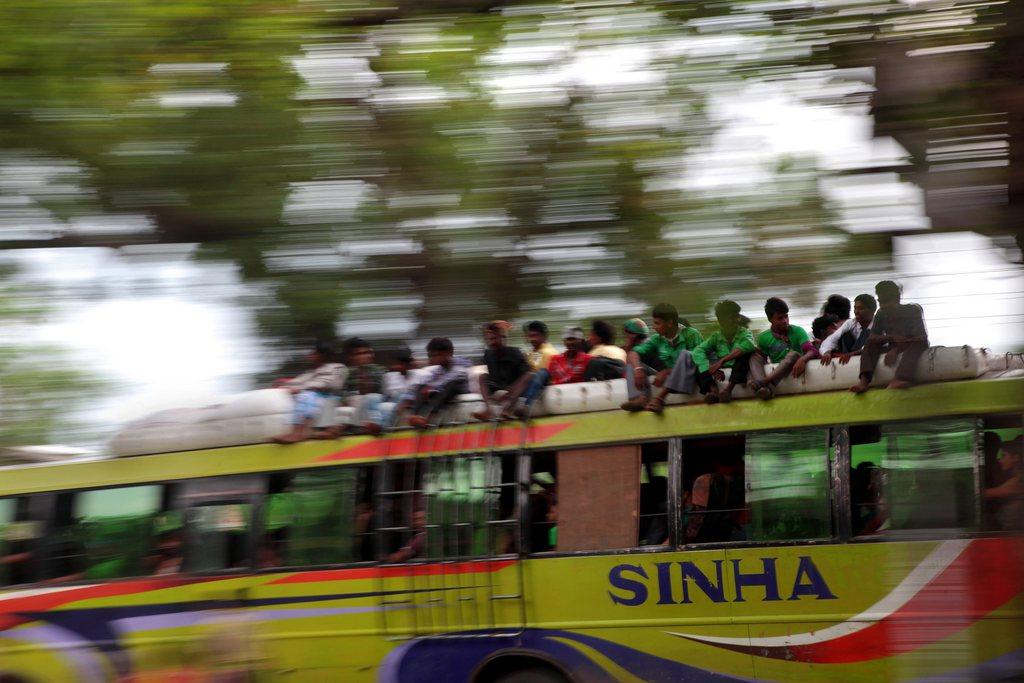 Busfahrt in Indien, nahe Kalkutta EPA/PIYAL ADHIKARY