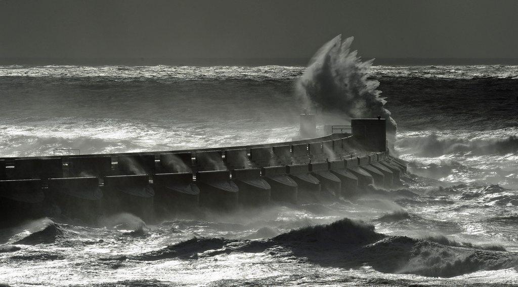 Sturmwellen in Brighton, Südengland EPA/GERRY PENNY