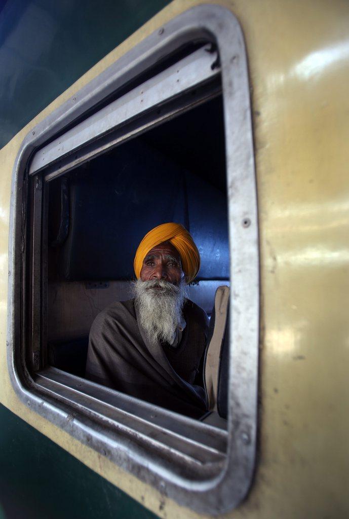 Zugfahrt in Amritsar, Indien (Keystone/EPA/Raminder Pal Singh)
