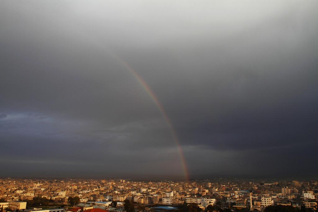 Regenbogen über Gaza-Stadt, Gaza-Streifen  (AP Photo/Adel Hana)