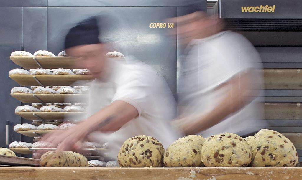 Arbeiten am Christstollen in Dresden, Deutschland (Keystone/AP Photo/Jens Meyer)