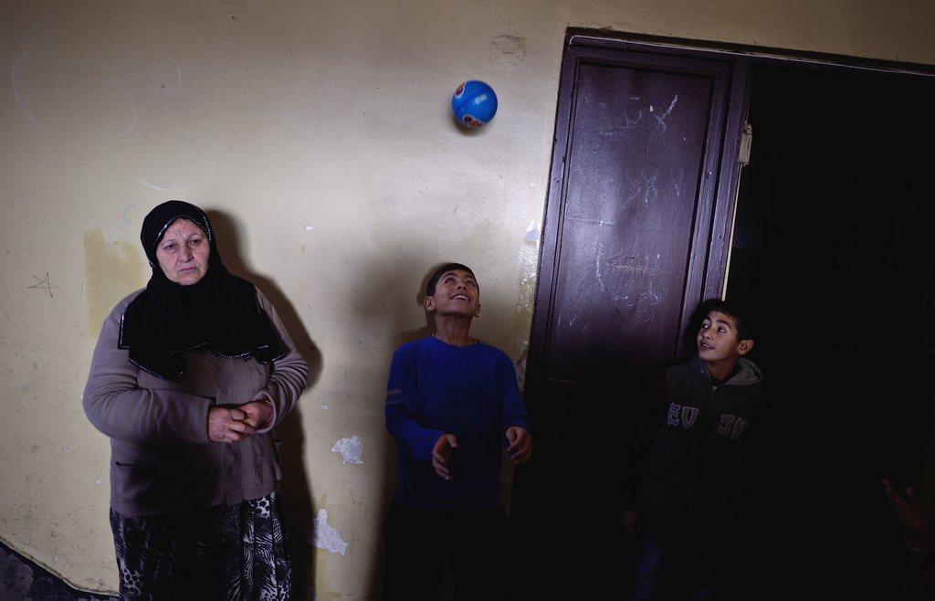Syrische Flüchtlingskinder in Vrazdebna, Bulgarien EPA/VASSIL DONEV