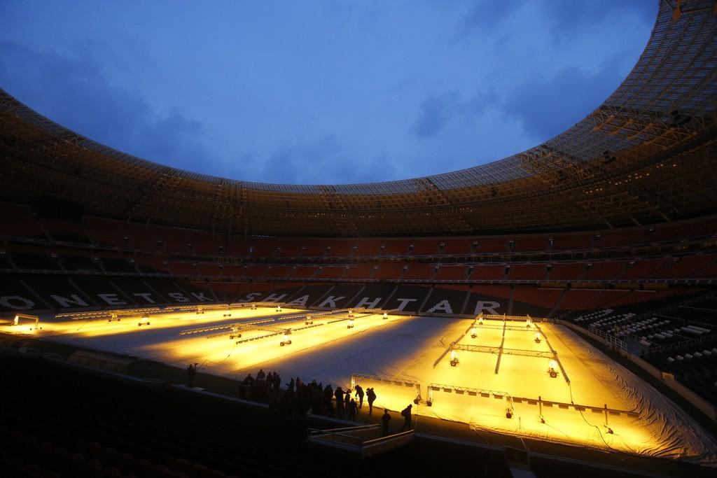 Arbeiten im Stadion von Donezk Ukraine (AP Photo/Sergei Grits)