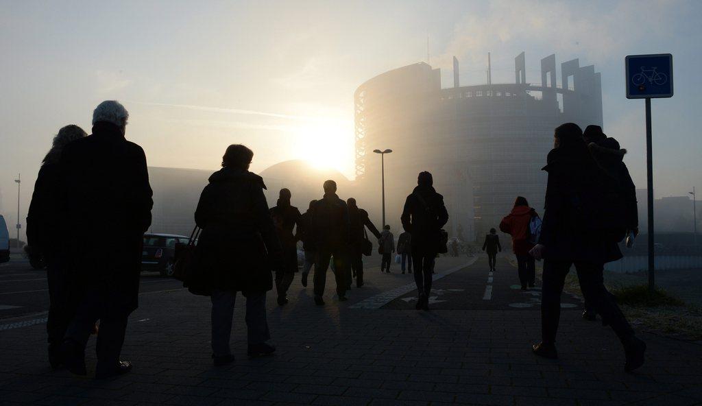 EU-Parlament am Morgen bei Sonnenaufgang, Straßbourg Frankreich EPA/PATRICK SEEGER