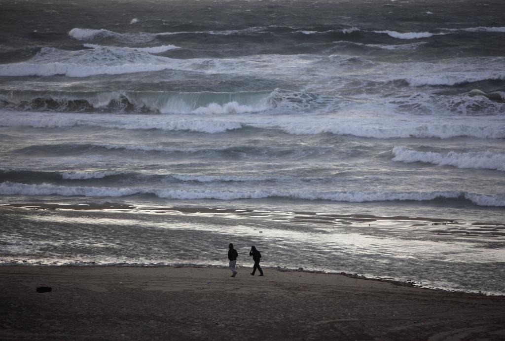 Am Strand von Gaza City (Keystone/AP Photo/Adel Hana)