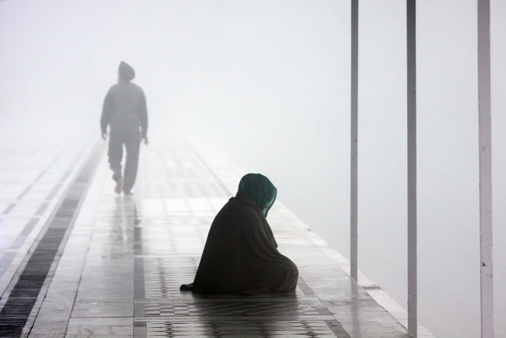Morgennebel in Amritsar, Indien (Keystone/EPA/Raminder Pal Singh)
