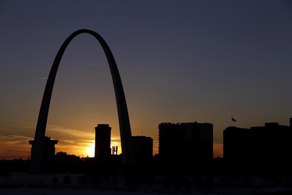 Sonnenuntergang in St. Louis, USA (Keystone/AP Photo/Jeff Roberson)