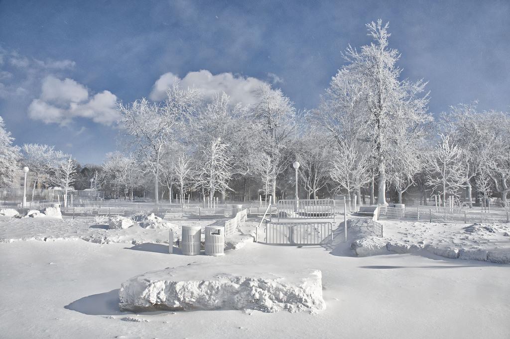 Wintereinbruch im Niagara Falls State Park, USA (Keystone/James Neiss)