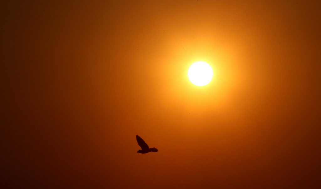Sonnenuntergang in Teheran, Iran (Keystone/EPA/Abedin Taherkenareh)