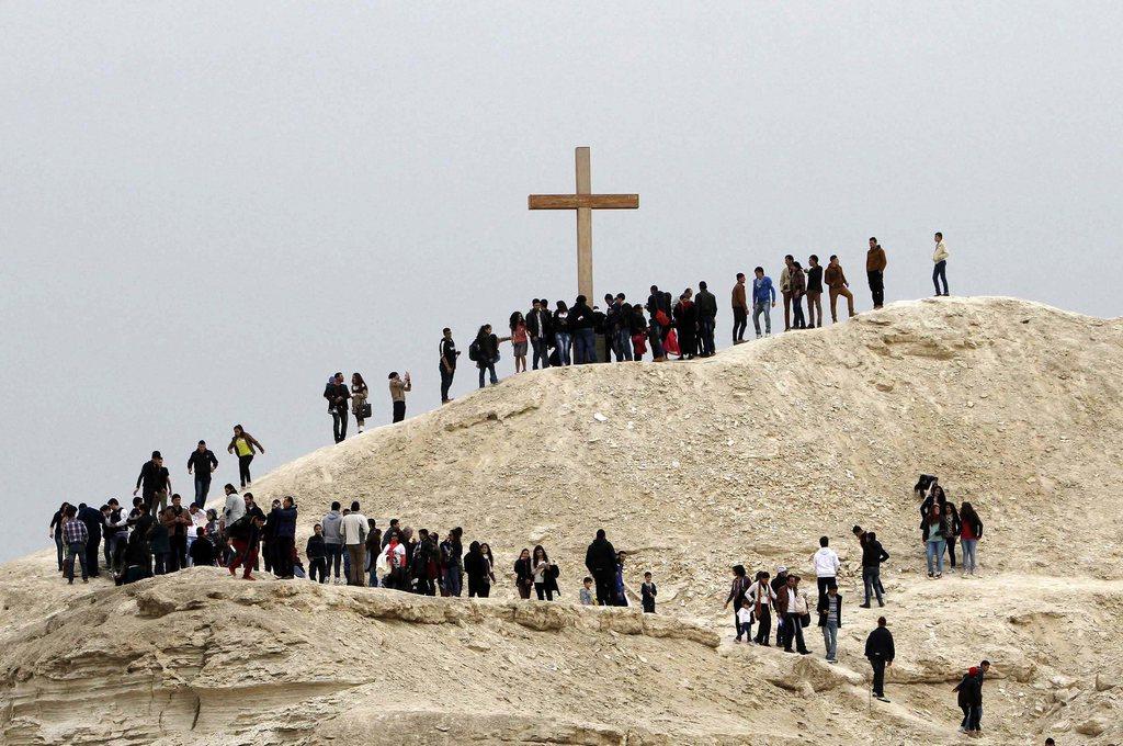 Christliche Pilger auf dem Weg zur Stelle, wo Jesus getauft wurde, Jordanien (Keystone/EPA/Jamal Nasrallah)