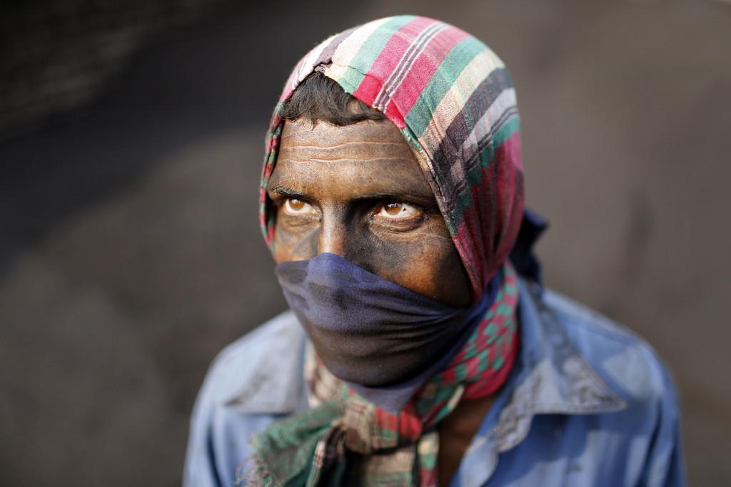 Arbeiter in einer Ziegelfabrik, nahe Dhaka, Bangladesh (AP Photo/A.M. Ahad)