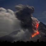 Ausbruch des Sinabung, Nordsumatra EPA/ADE SINUHAJI