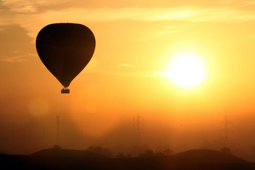 Heißluftballon über Luxor, Ägypten EPA/KHALED ELFIQI