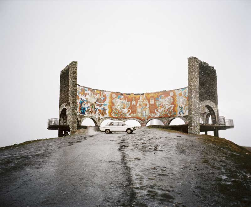 Rob Hornstra - Georgian Military Highway, Gudauri, Georgia, 2013  © Rob Hornstra / Flatland Gallery. From: An Atlas of War and Tourism in the Caucasus (Aperture, 2013).